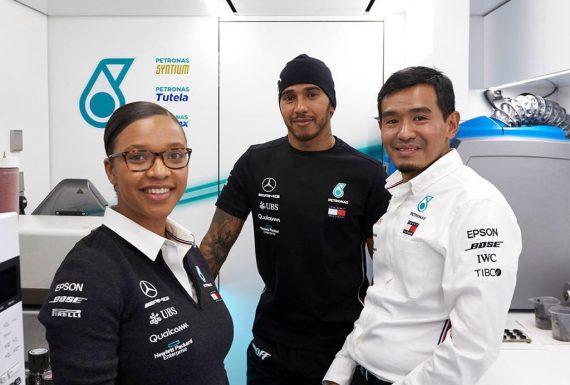Mercedes tem na engenharia de combustíveis o comando de uma mulher