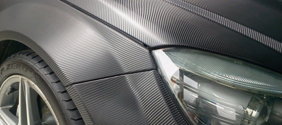 Técnica ágil e de baixo custo para personalizar e proteger veículos