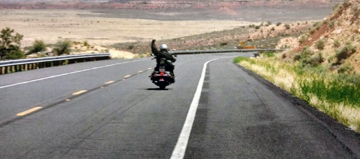 Motocicleta e estrada, uma paixão que só cresce neste início de século