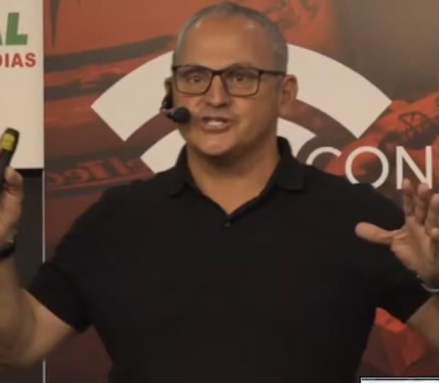 Chico Ferraz dá '11 dicas para ser um profissional qualificado'